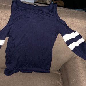 Long sleeve hole in shoulder top